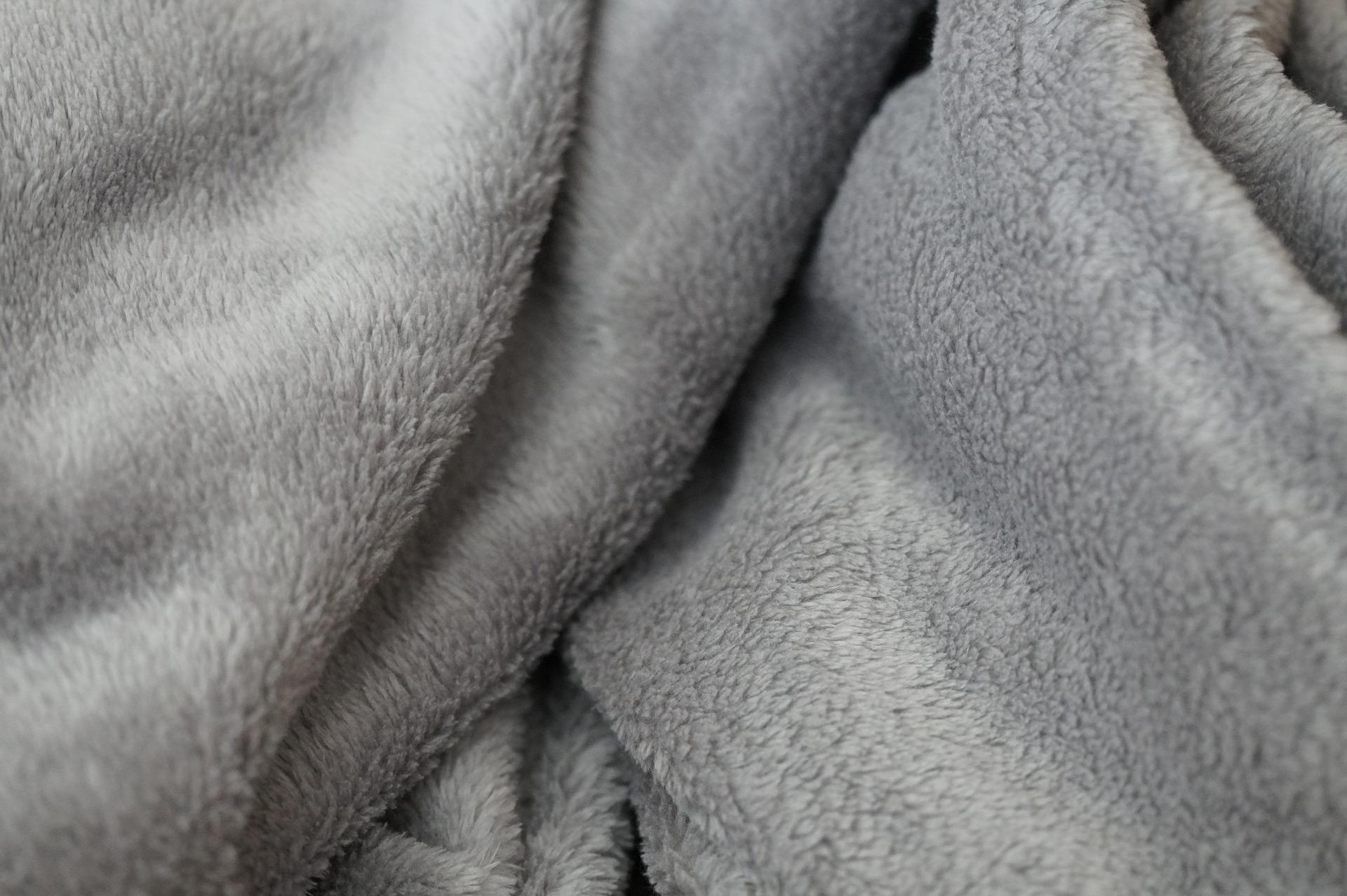 blanket-582083_1920
